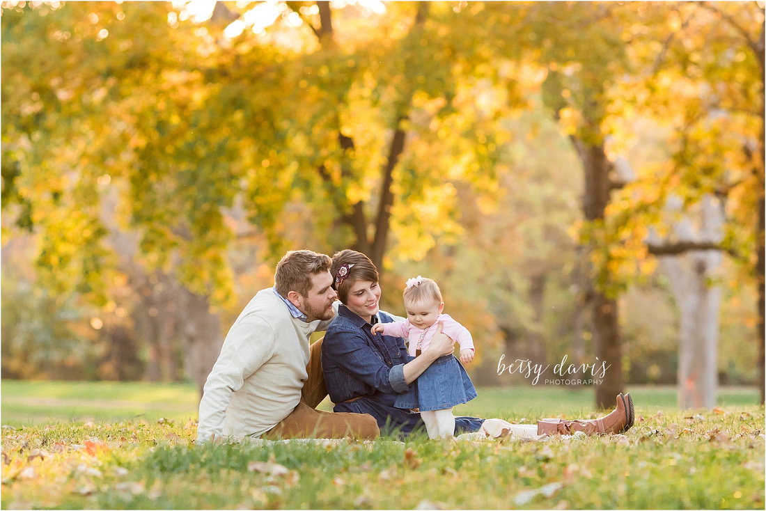Saint Joseph, MO Family Photographer