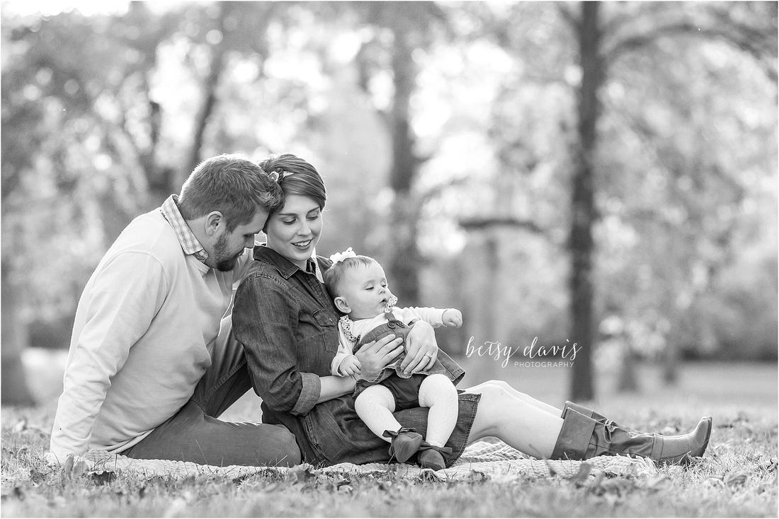 Saint Joseph, MO Family Photographer